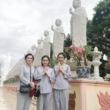 Quần áo phật từ là ưu tiên được lựa chọn khi đi lễ chùa